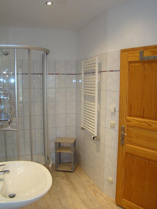 Bad mit Dusche im Ferienhaus zu Wohlsborn bei Weimar