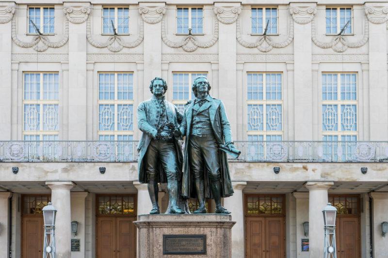 Weimar Nationaltheater | Goethe- und Schiller-Denkmal